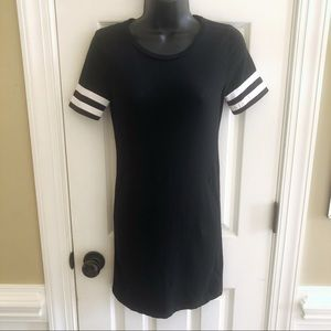 🌹3 for $15 Ambiance  Small casual top